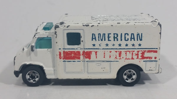 1989 Hot Wheels Workhorses American Ambulance White Die Cast Toy Car Emergency Paramedics Rescue Vehicle - Opening Rear Doors