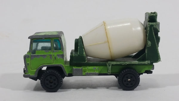 Vintage Yatming Cement Mixer Truck Dark Green Lime Green White Die Cast Toy Car Vehicle