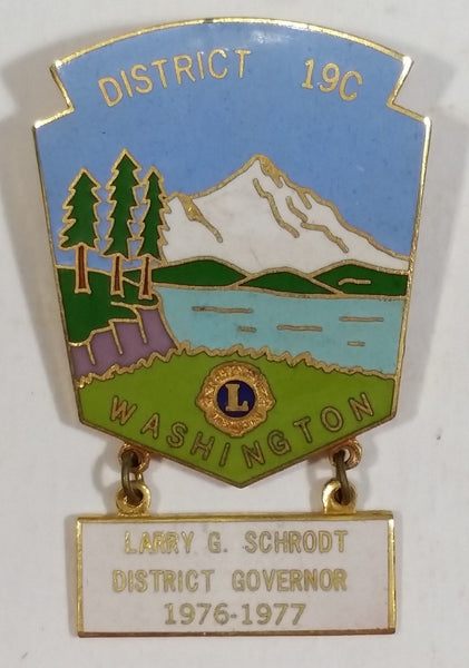Vintage Mountain Scene Washington 19c District Governor Lions Club Pin 1976-77