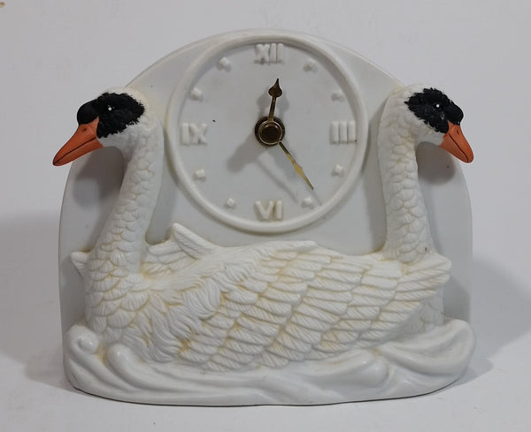 Rare 1985 Willitts Designs Romantic Swan Couple #5201 Ceramic Bird Clock Made in Taiwan