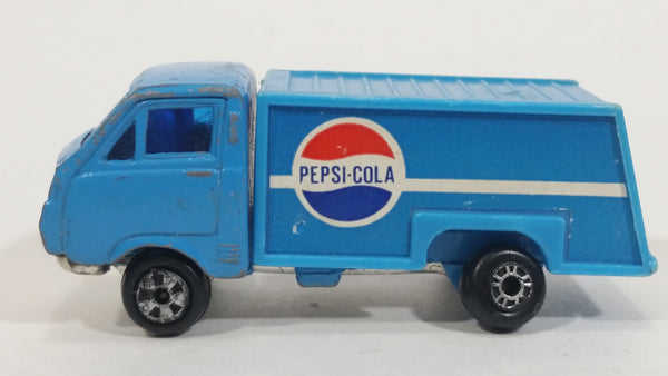 Vintage Yatming Style Pepsi-Cola Soda Pop Beverages Blue Delivery Truck Die Cast Toy Car Vehicle Made in Hong Kong