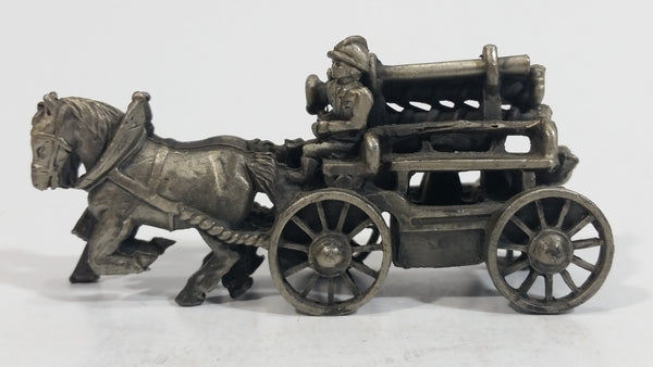 Vintage Highly Detailed Horse Drawn Fire Truck Metal Ornamental Decoration