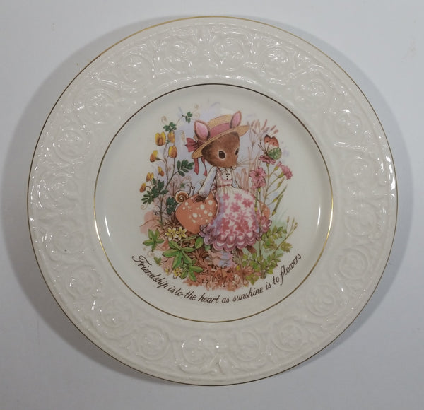 "Vintage Crown Devon Mouse ""Friendship is to the heart as sunshine is to flowers"" 9"" Plate Staffordshire, England - Treasure Valley Antiques & Collectibles"