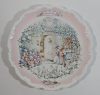 "Vintage 1987 Royal Albert Gift Collection The Carol Singers ""The Wind in the Willows"" Collector Plate"