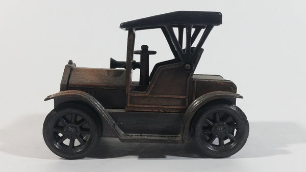 Vintage Miniature 1917 Ford Model T Classic Car Metal Pencil Sharpener Doll House Furniture Size