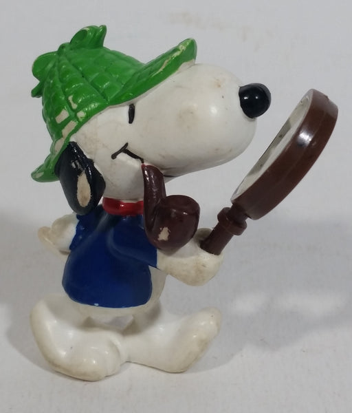 Vintage United Features Peanuts Snoopy Detective Sleuth Holding A Magnifying Glass PVC Toy Figure Made in Hong Kong