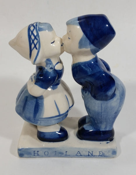"Vintage Delft Blue Holland Dutch Boy and Girl Kissing Hand Painted Ceramic 5"" Tall Figurine"