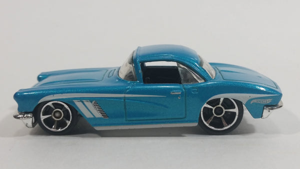 2013 Hot Wheels Showroom Corvette 60th 1962 Corvette Metalflake Aqua Blue Green Die Cast Toy Classic Car Vehicle