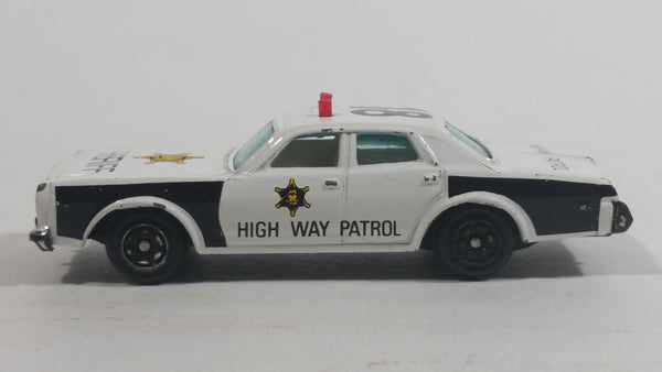 1980s Yatming Dodge Monaco Sheriff Highway Patrol 18 Police Cop White Black Die Cast Toy Car Emergency Rescue Vehicle