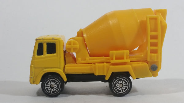 Maisto Cement Mixer Truck Yellow Die Cast Toy Car Construction Equipment Building Vehicle