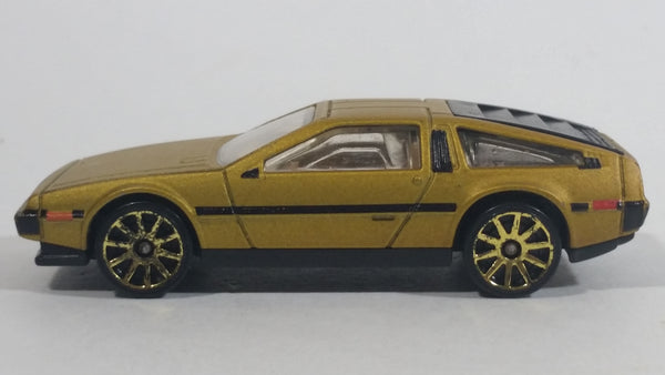 2010 Hot Wheels '81 DeLorean DMC-12 Brushed Metalflake Gold Bronze Die Cast Toy Car Vehicle