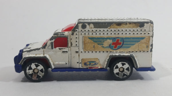 2002 Matchbox Ambulance White Die Cast Toy Emergency Rescue Vehicle McDonald's Happy Meal