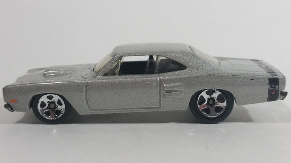 2008 Hot Wheels '69 Dodge Coronet Super Bee Metalflake Silver Die Cast Toy Muscle Car Vehicle