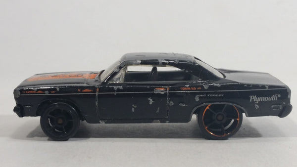 2009 Hot Wheels Muscle Mania '70 Roadrunner Enamel Black Die Cast Toy Muscle Car Vehicle