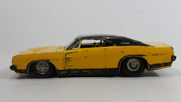 2005 Hot Wheels G Machines '69 Dodge Charger Yellow and Black 1/50 Scale Die Cast Toy Muscle Car Vehicle