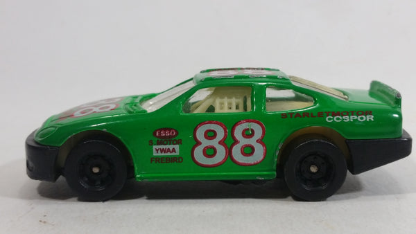 Unknown Brand #88 Stock Car Green Die Cast Toy Race Car Vehicle