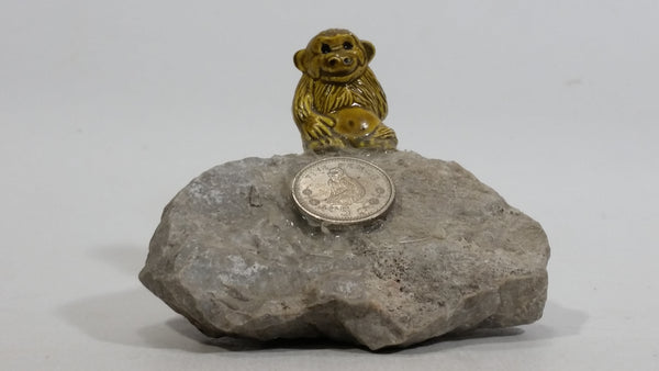 Gibraltar 5 Pence Monkey Macaque Sitting on Rock with Coin Decorative Figure Souvenir Travel Collectibles