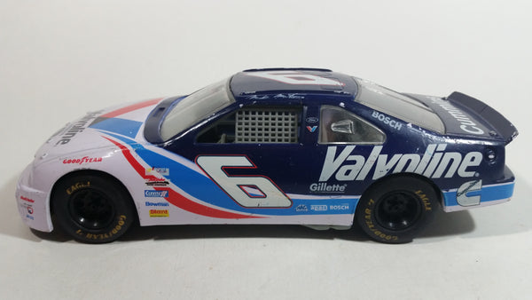 1995 Racing Champions Ford Thunderbird Cummins Nascar #6 Valvoline Mark Martin White Blue Toy Race Car Vehicle 1:24 Scale