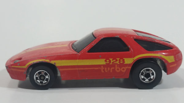 1982 Hot Wheels Porsche 928 P-928 Turbo Red Die Cast Toy Car Vehicle Made in Hong Kong