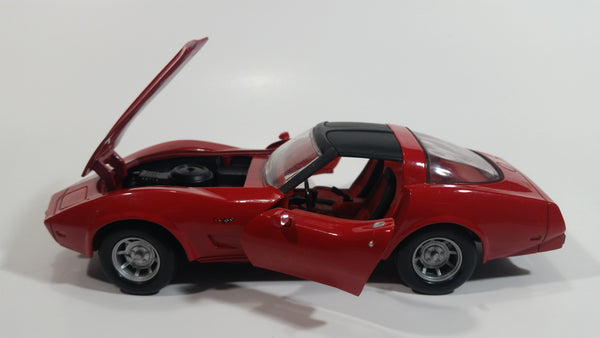 Motor Max 1979 Chevrolet Corvette T-Tops Red 1/24 Scale No.73244 & 68044 Die Cast Toy Car Vehicle with Opening Hood and Doors