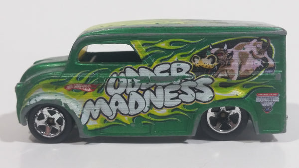 2010 Hot Wheels Monster Jam Dairy Delivery Udder Madness Die Cast Toy Car Vehicle