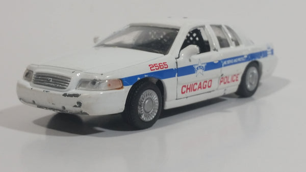 2008 Greenlight Ford Crown Victoria Interceptor Chicago Police Cruiser No. 4026 White 1/43 Scale Die Cast Toy Emergency Response Vehicle with Opening Doors - Missing the Roof Lights