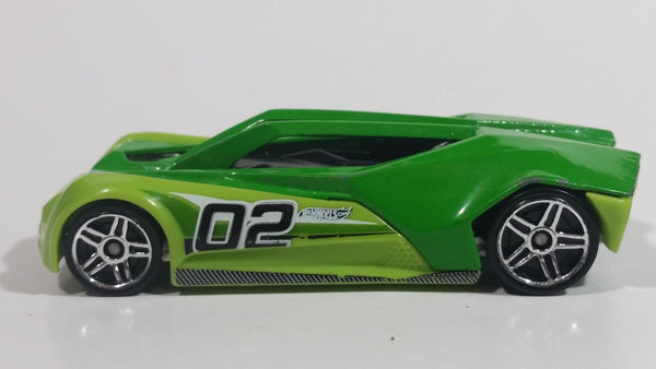 2013 Hot Wheels Track Aces Split Vision Green and Lime Green #02 Die Cast Plastic Body Toy Race Car Vehicle