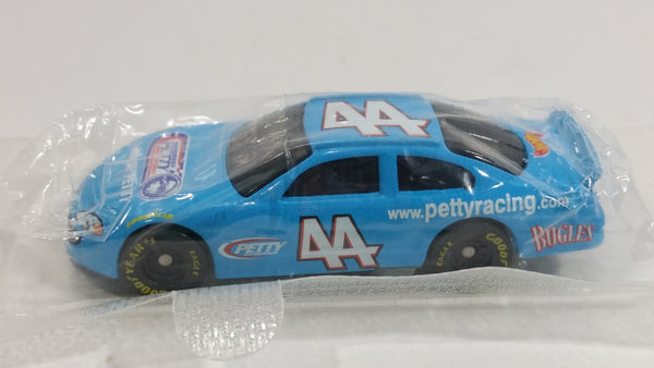 2001 Hot Wheels Bugles NASCAR www.pettyracing.com Dodge Intrepid Richard Petty #44 Die Cast Toy Race Car Vehicle New in Package