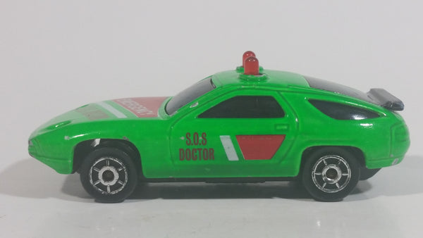 Vintage Majorette Sonic Flashers Porsche 928 Emergency S.O.S. Doctor Bright Green Die Cast Toy Car Vehicle