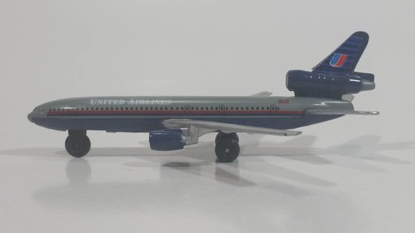 United Airlines McDonnell Douglas DC-10 Airplane A202 Die Cast Aircraft Jet Vehicle