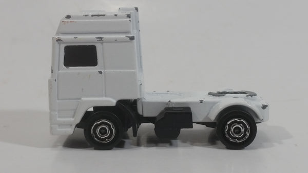 Majorette Volvo Semi Tractor Truck White Die Cast Toy Car Vehicle 1/100 Scale