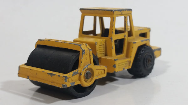 Majorette No. 226 Steam Roller Yellow Die Cast Toy Car Road Construction Equipment Vehicle