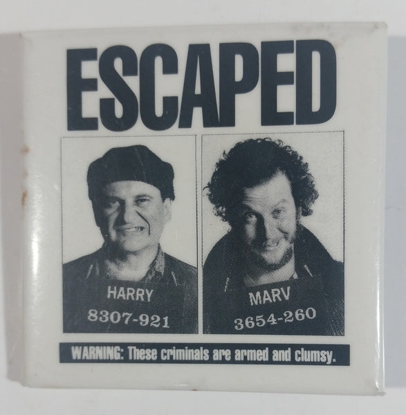 "1992 Twentieth Century Fox Home Alone 2 ""Escaped"" Harry and Marv Movie Film Promotional Collectible Pin"
