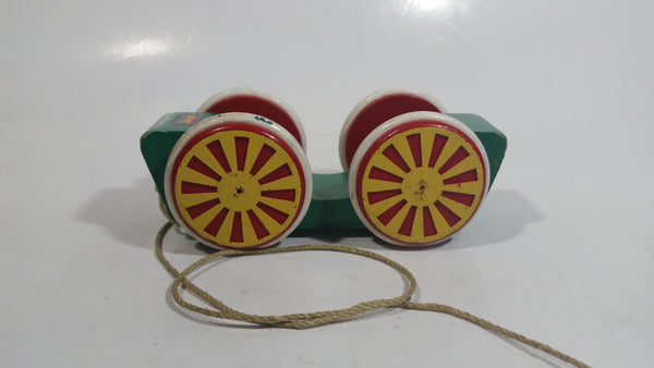Brio Green Wood Wooden Egg Car Vehicle Pull String Toy Made in Sweden