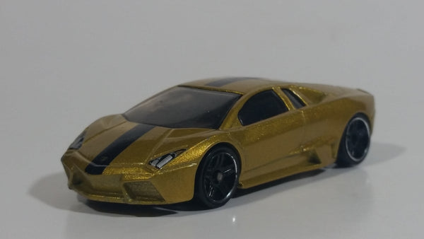 2013 Hot Wheels World Race Lamborghini Reventon Metalflake Gold Die Cast Toy Car Vehicle