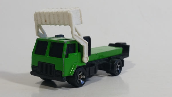 1999 Hot Wheels City Center Recycling Truck Green & White Die Cast Toy Car Vehicle