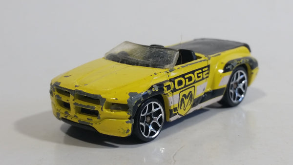 2006 Hot Wheels Hot Trucks Dodge Sidewinder Yellow Die Cast Toy Car Vehicle