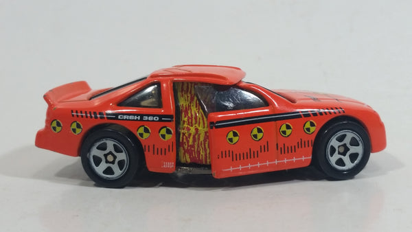 1998 Hot Wheels Crashers CRSH 360 Bending Die Cast Toy Car Crash Test Vehicle