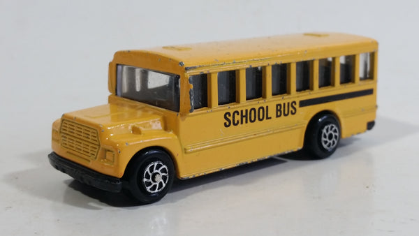 Yatming No. 1502 School Bus Yellow Die Cast Toy Car Vehicle