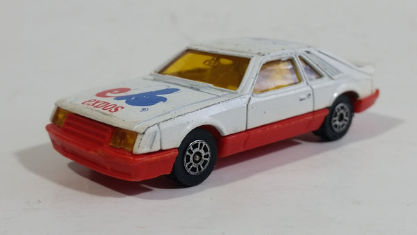 Vintage Corgi Ford Mustang Cobra White and Red Montreal Expos MLB Baseball Team White Die Cast Toy Car Vehicle with Opening Hatchback
