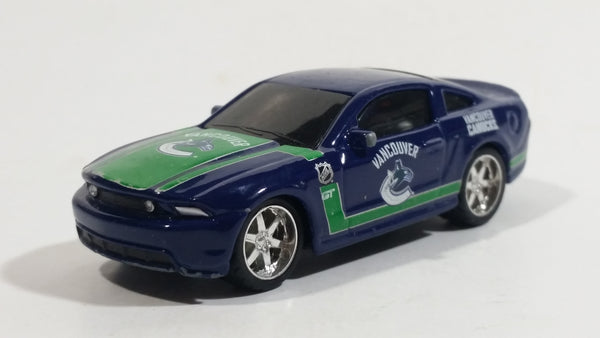 2010 Maisto Top Dog Collectible Vancouver Canucks NHL Ice Hockey Team 2010 Ford Mustang GT 1/64 Scale Die Cast Toy Car Vehicle