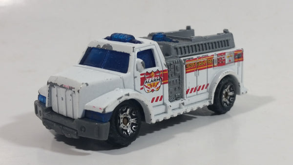 2002 Matchbox Highway Rescue Fire Truck White Die Cast Toy Car Firefighting Rescue Emergency Vehicle