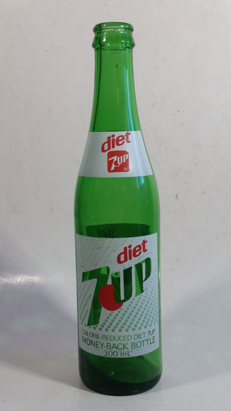 Rare Hard To Find Vintage Diet 7UP 300mL English French Green Glass Soda Pop Beverage Bottle