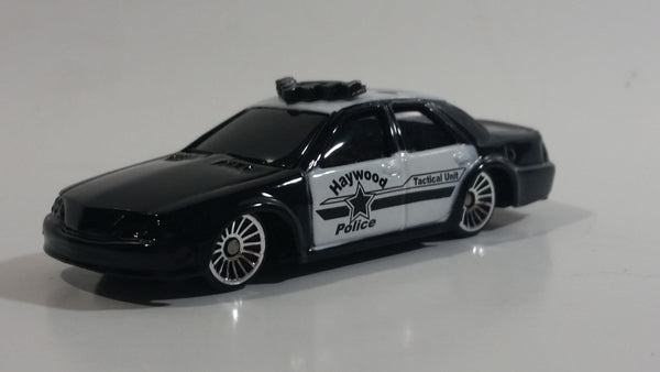 Maisto Ford Interceptor Haywood Police Tactical Unit 1035 Black and White Die Cast Toy Police Officer Cop Vehicle