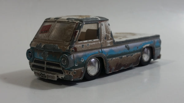 Jada No. 91732 1965 Dodge A-100 Truck White and Blue 1/64 Scale Die Cast Toy Car Vehicle