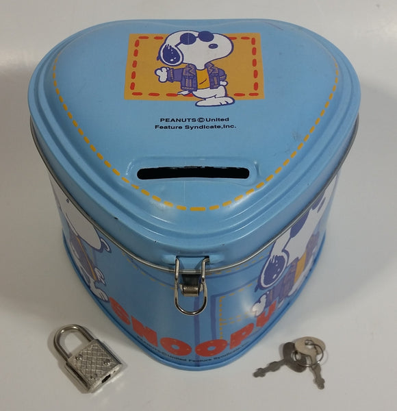 Peanuts United Feature Syndicates Snoopy Light Blue Heart Shaped Coin Bank with Lock and Keys