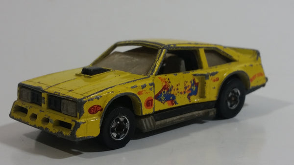 1982 Hot Wheels Flat Out 442 Yellow Die Cast Toy Muscle Car Vehicle GHO - Hong Kong