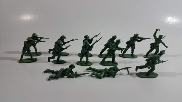 Vintage Blue-Box Toys Green Plastic Army Figures Made in Hong Kong - Lot of 13