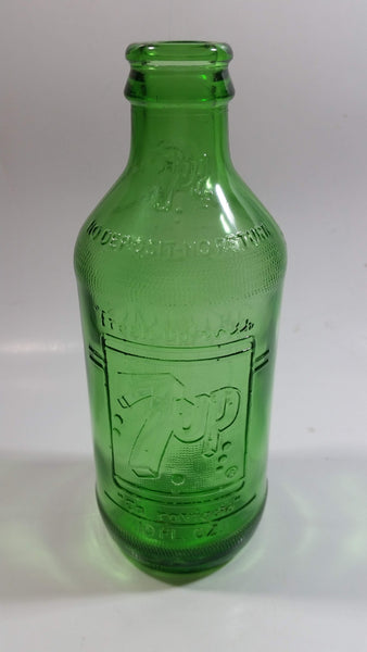 "Vintage 1960s 7up ""fresh up"" with 7up Ca Ravigote 10 Fl oz Stubby Embossed Green Glass Beverage Bottle"