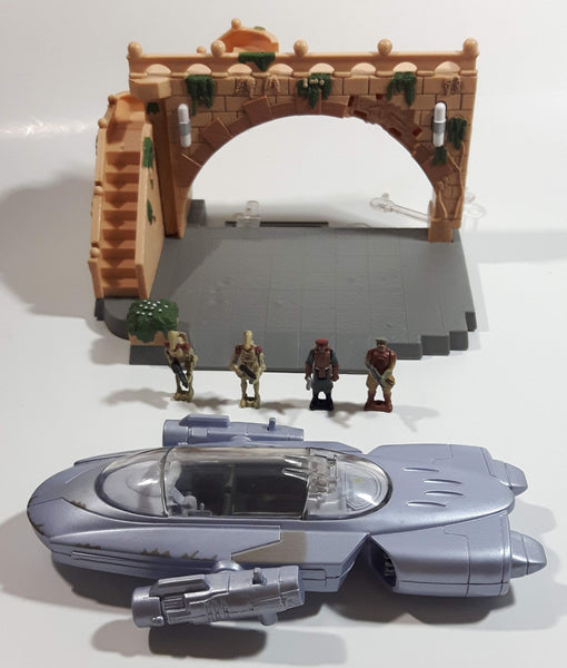 1998 LFL Galoob GTI Star Wars Action Fleet Gian Speeder and Theed Palace Micro Machines Toy Action Figures and Palace Incomplete Set